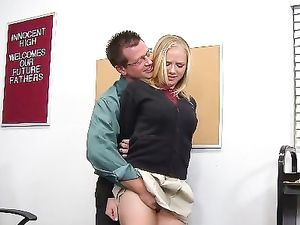 Cock in Her Mouth Before Getting Her Cunt Filled
