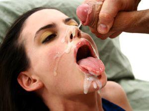 Latina Gets A Huge Facial After Pounding
