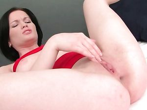 Bubble Butt Cutie Fucks Her Massive Dildo