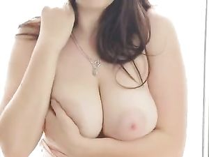 These Are The Sexiest Big Natural Breasts Around