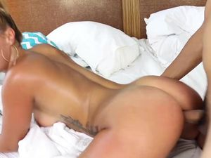Flexible Swimsuit Babe Needs His Cock In The Morning