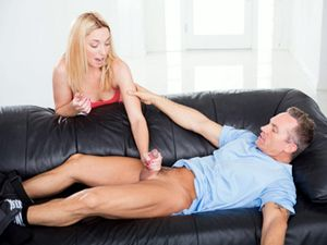 Babysitter Jerks Off The Dirty Daddy